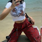 Plaid cargo pants with chain 3
