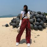 Plaid cargo pants with chain 6