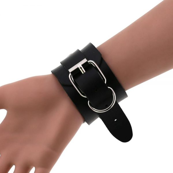 Leather Wristband with ring 3