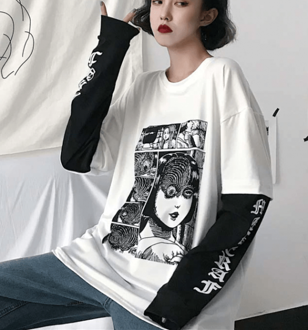 T-shirt with Japanese Horror Print  2