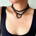Choker with Black Heart and Chain 2