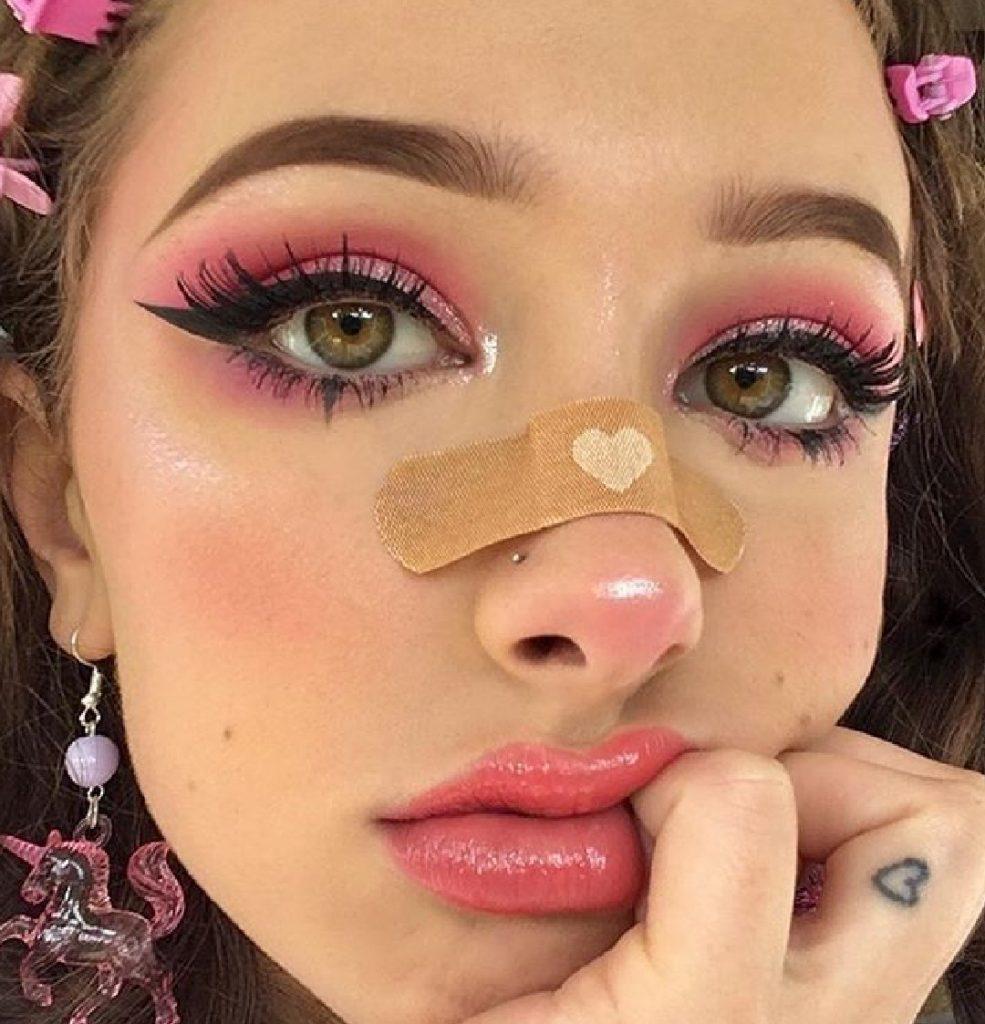 E-girl makeup