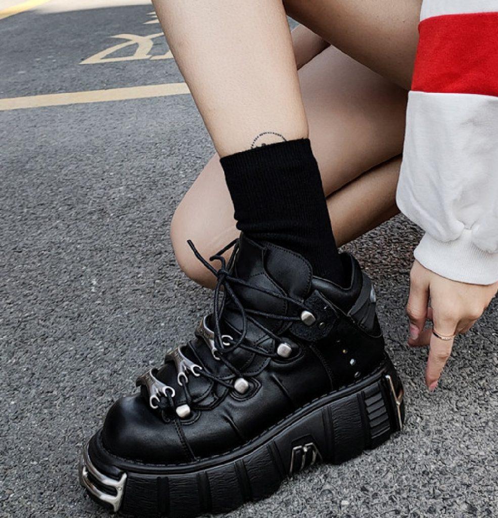 High-platform E-girl shoes