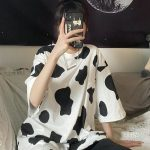 Loose T-shirt with Cow print 4