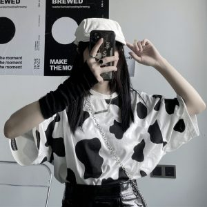 Loose T-shirt with Cow print 1