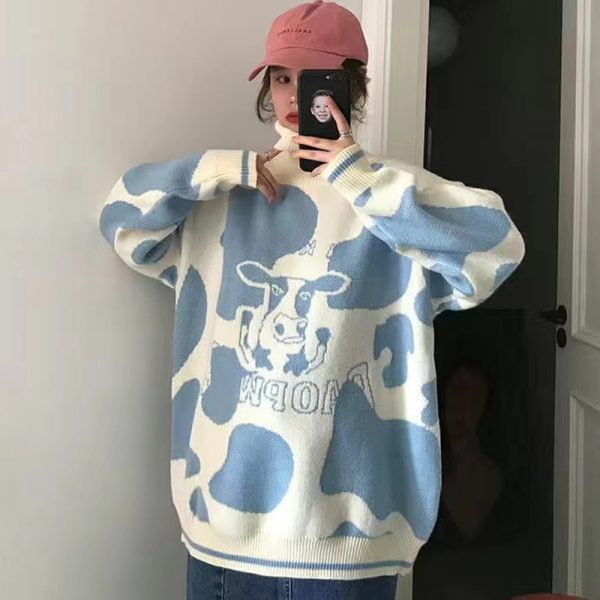 Egirl Harajuku pullover with a cow print 6