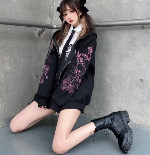 Hoodie with Gothic gothic embroidered skull 2
