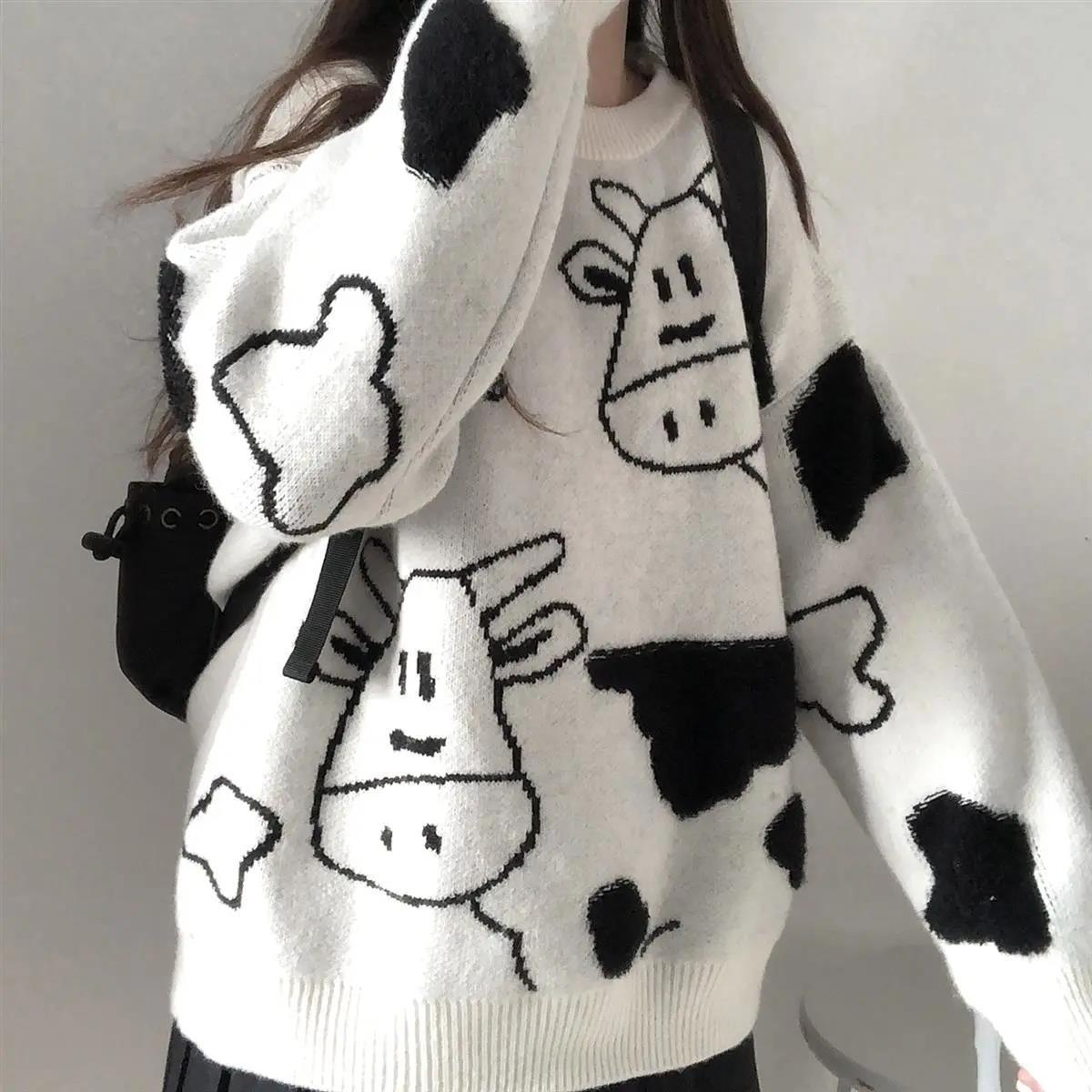 Egirl Harajuku pullover with a cow print 41