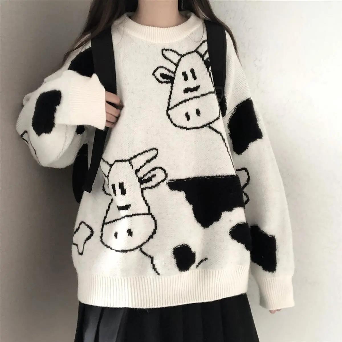 Egirl Harajuku pullover with a cow print 45