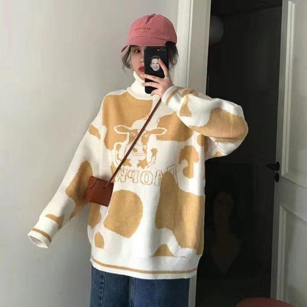 Egirl Harajuku pullover with a cow print 4