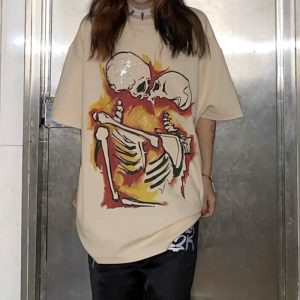 Gothic E-girl E-boy Punk Oversized T-Shirt with Kiss of the skeletons print 1