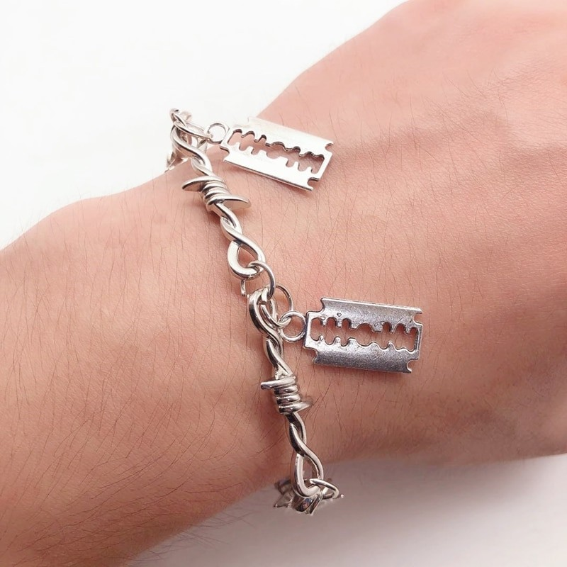 E-boy E-girl Gothic Punk Bracelet with Blades and Barbed wire 32