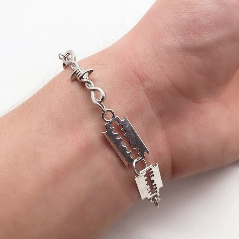 E-boy E-girl Gothic Punk Bracelet with Blades and Barbed wire 35