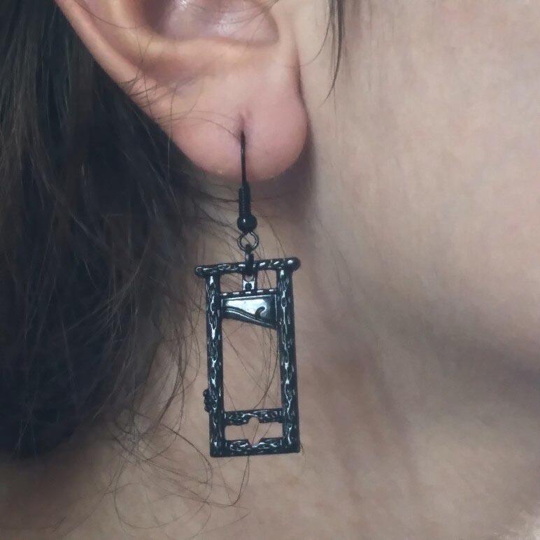 E-girl E-boy Gothic Punk Guillotine Earrings 33