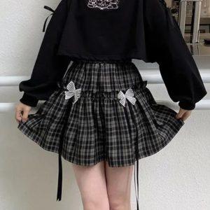 Kawaii Gothic E-girl Plaid Skirt with Bow 1